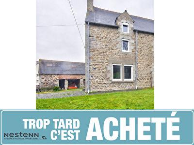 Maison en pierre avec grande dependance a renover proche bourg de Pledran