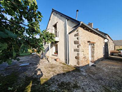 Maison pierres en campagne du Gouray.