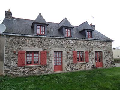 Belle maison en pierres a Lanouee - EN EXCLUSIVITE !