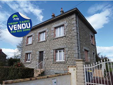 Belle maison 7 pieces a St Malo des 3 Fontaines - CENTRE BOURG