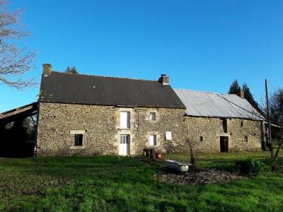 Belle longere en pierre a renover a Hellean (56120)