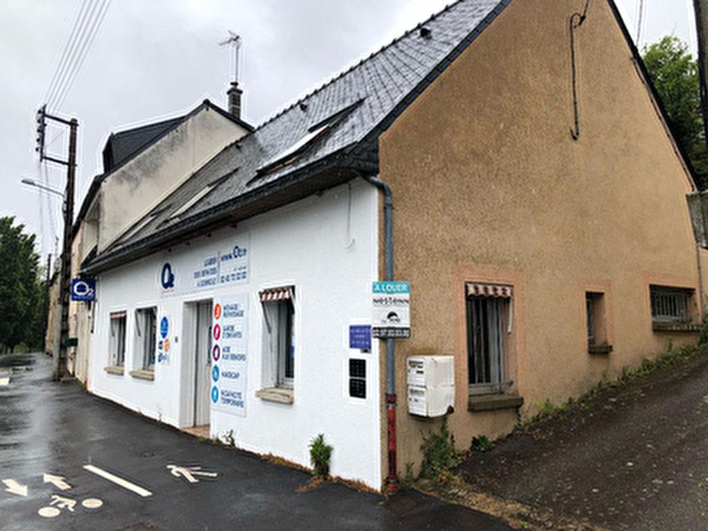 A LOUER - Local commercial  de 85 m2 a Ploermel (56800)