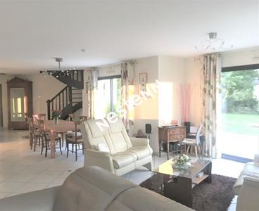 Belle maison de 6 pieces a Gourhel (56800)