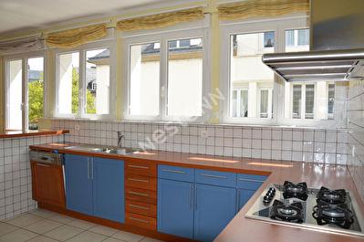Appartement de 4 pieces - Centre ville de Ploermel (56800)