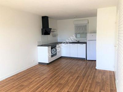 A LOUER  - Appartement  de 2 pieces a Ploermel (56800)