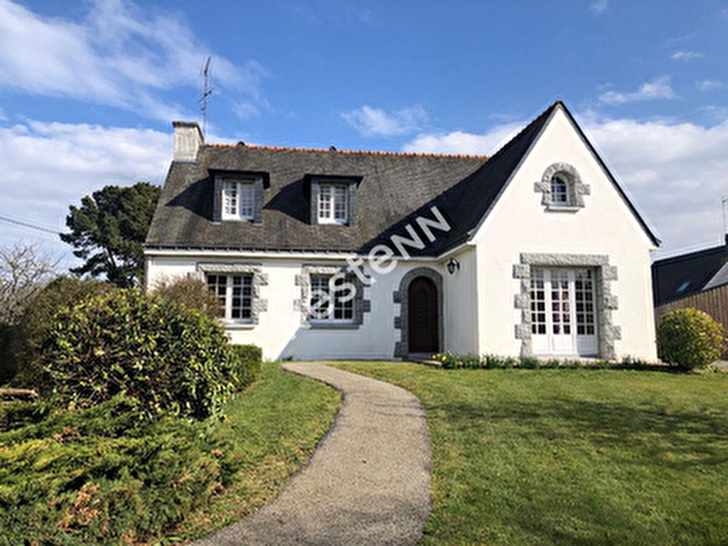 Maison de 7 pieces  a Ploermel (56800)