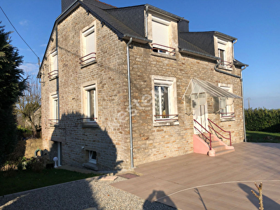 Maison de 6 pieces a Lanouee (56120)