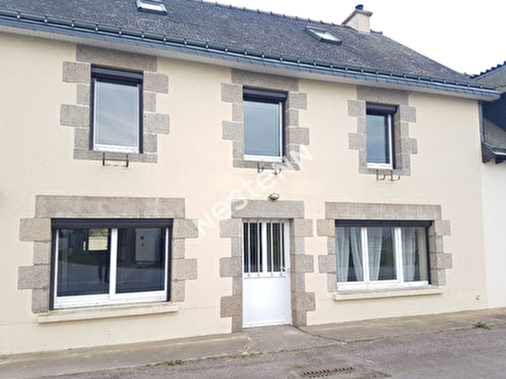 Maison de 7 pieces a Lanouee (56120)