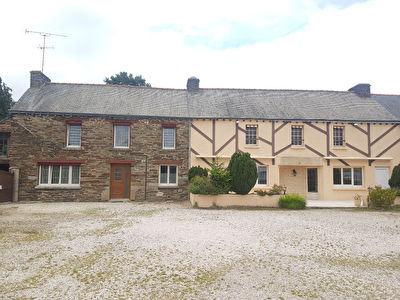 Ensemble immobilier a Mauron (56430)