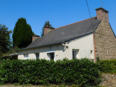 Maison Plourhan  bourg 100 m2 et studio 30m2