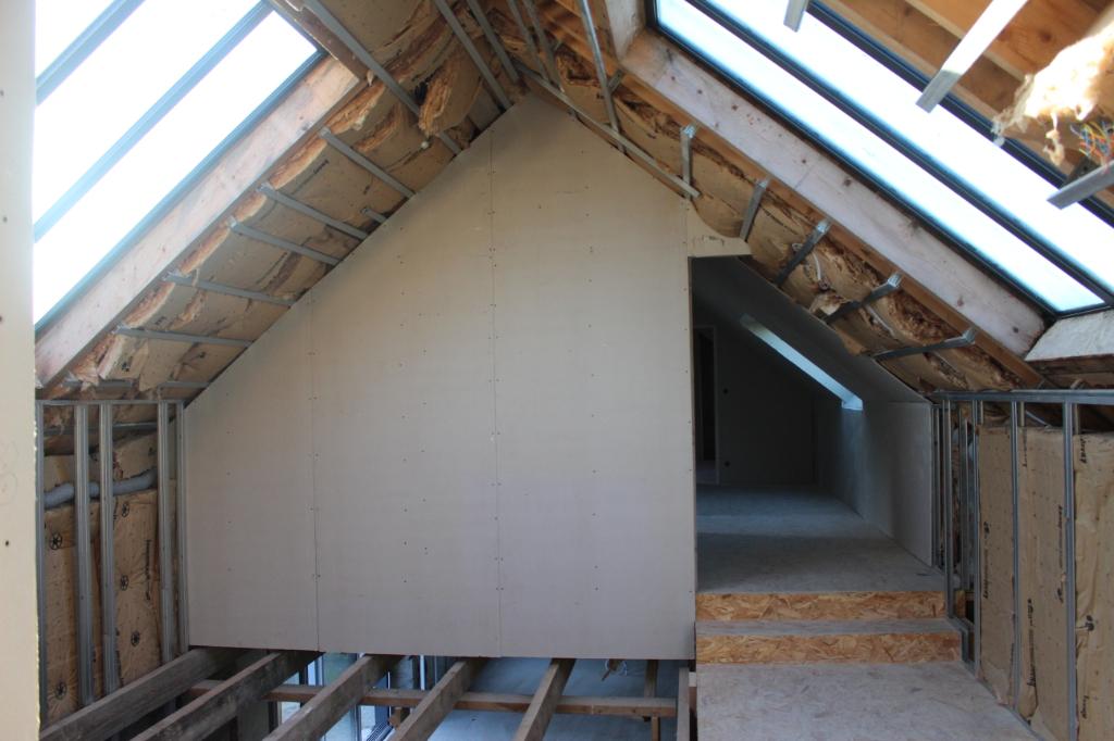 Longère de 200m² rénovée en partie.