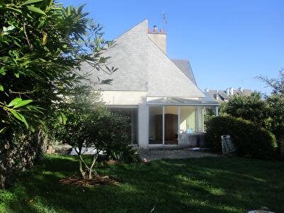 Maison Binic-HYPER CENTRE- 12 pieces- 260 m2