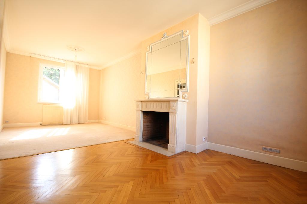 Maison-Appartement TORTIERE SAINT DONATIEN 8 pièce(s) 170 m2