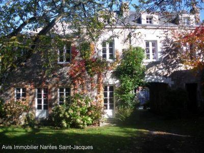Maison bourgeoise VERTOU 161 m2 4 chambres garage 5 dependances