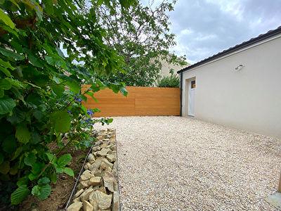 Reze : Maison recente (5 chambres) avec jardin et grand garage