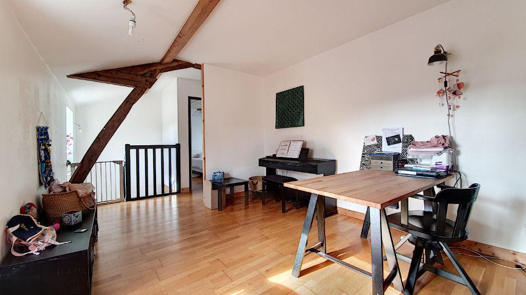Maison 3 chambres à vendre à Liré avec petit jardin
