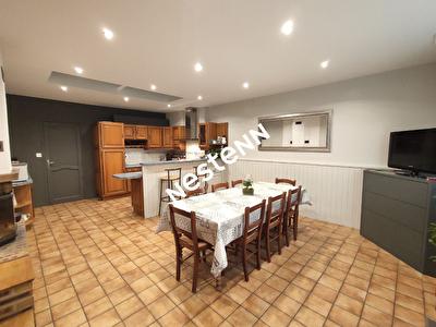 Superbe maison de bourg renovee Saint Erblon 7 pieces 150 m2