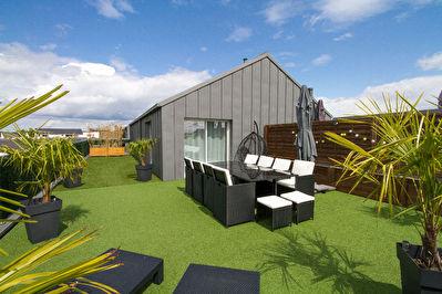 Magnifique toit-terrasse de 2010 sur Bruz rare a la vente !!