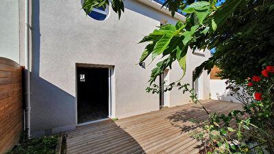 Nantes proche Bourgeonniere : Maison entierement renovee 4 chambres + bureau,