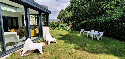 Nantes Petit Port : Exclusivite ! 110m2 au coeur de la verdure, dans rue calme, maison 3 chambres, cuisine ouverte piece de vie lumineuse, agreable jardin clos.