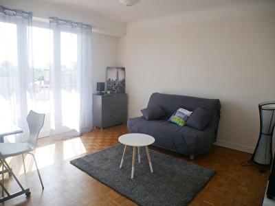 A vendre PAU Mermoz proche facultes - Grand T1 Bis meuble avec balcon et parking