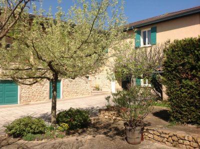 Maison Ferme Beaujolaise Grezieu la Varenne 10 pieces 240 m2