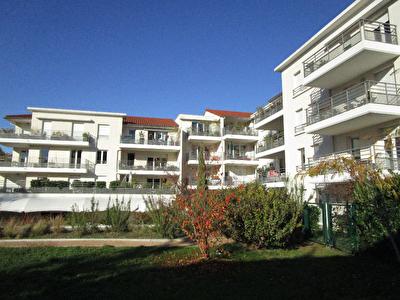 Appartement Tassin  4 pieces 85 m2 garage double