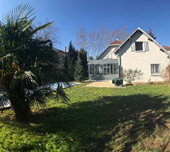 Maison Tassin Bourg  7 pieces 150 m2 environ
