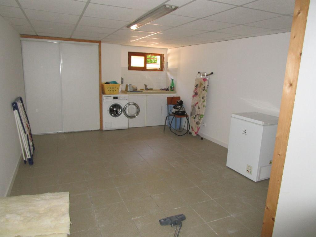 Maison  6 pièce(s)+ studio
