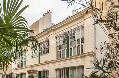 PARIS 6EME - MAISON / ATELIER D'ARTISTE - COUP DE COEUR