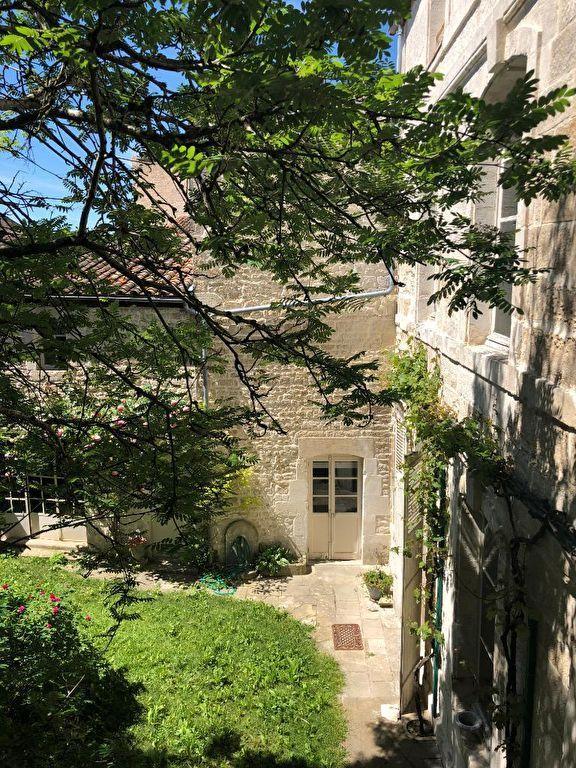 Appartement Niort 10 pièce(s) 474 m2