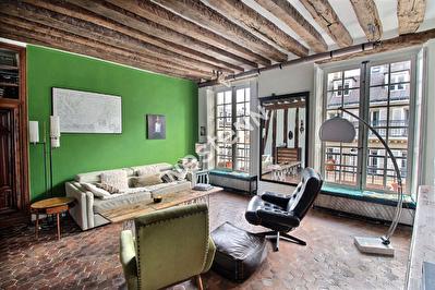 75004 Saint Paul - Appartement 2/3 pieces 4eme etage, traversant vue sur la Paroisse Saint Paul