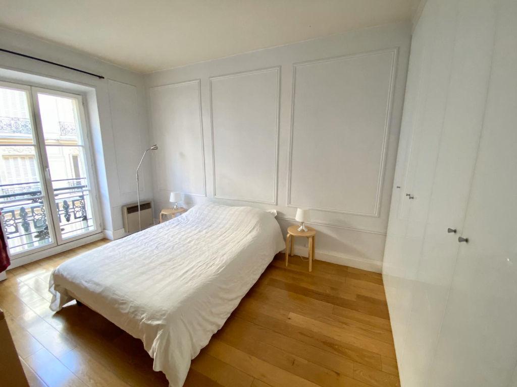 Appartement 3 pièces Champs Elysees