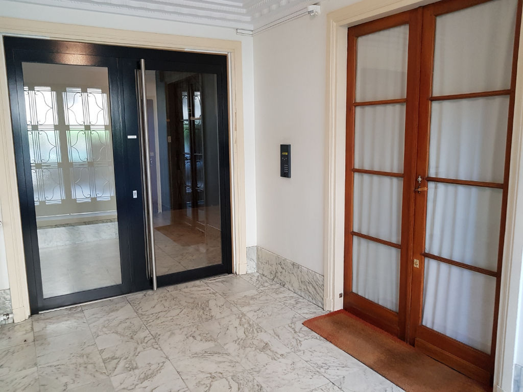 Paris 17ème - Proximité Porte Maillot - Chambre de 7.69 m2 (7.24 Carrez)