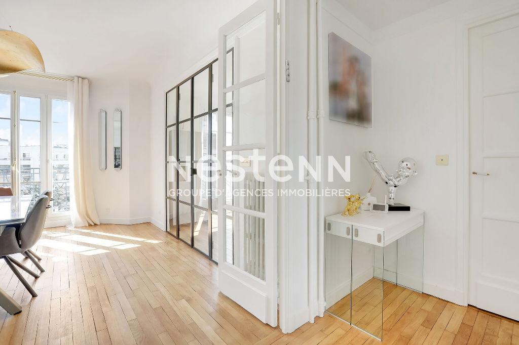 Paris 16ème - Appartement - Rénové - 5ème étage - Ascenseur - Climatisation