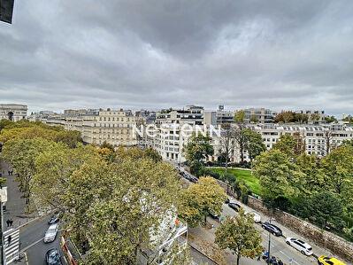 Paris 8eme - Studio - Vue sublime - a renover - Nestenn