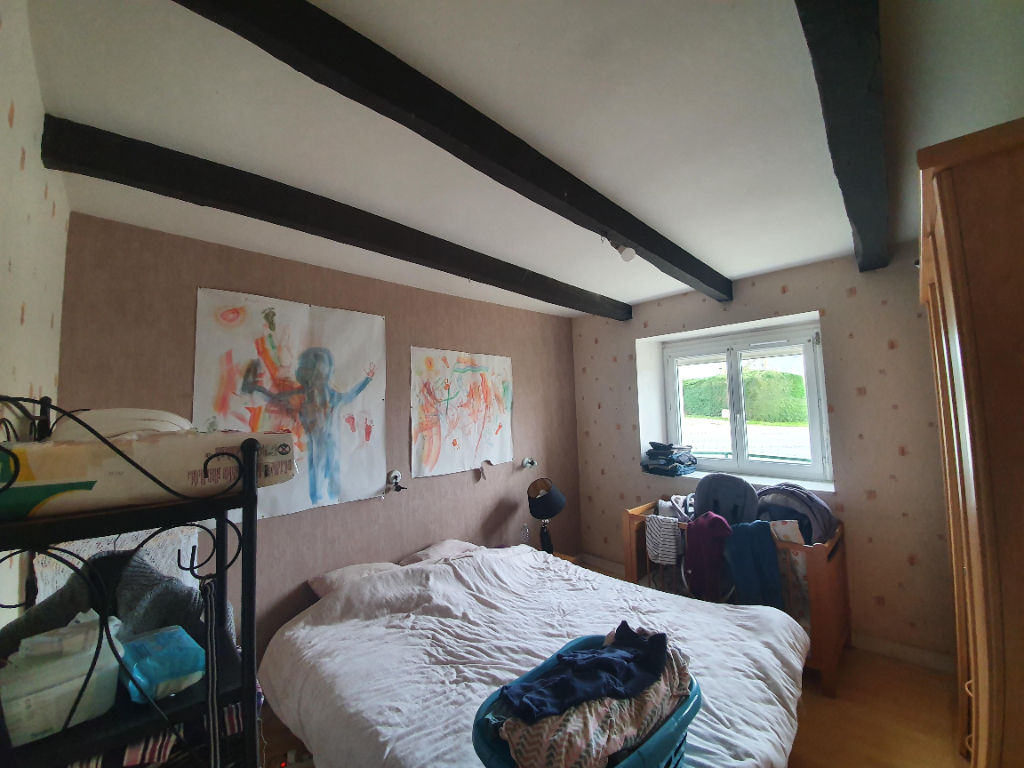 Maison NEUILLAC 5 pièce(s)