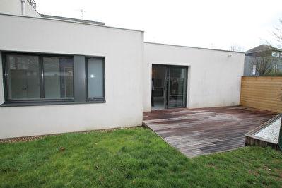 Appartement ,2 chambres, Montreuil Juigne Centre.