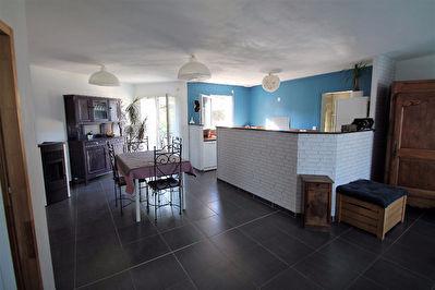 Maison recente de plain-pied sur Soulaire Et Bourg