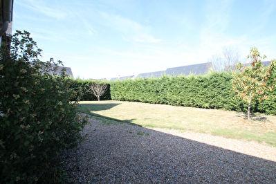 RARE !!!!! Avrille proche Tramway, Maison familiale ancienne avec jardin!