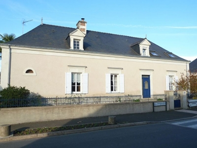 VENDU Maison Soulaire Et Bourg 9 pieces, grand terrain!