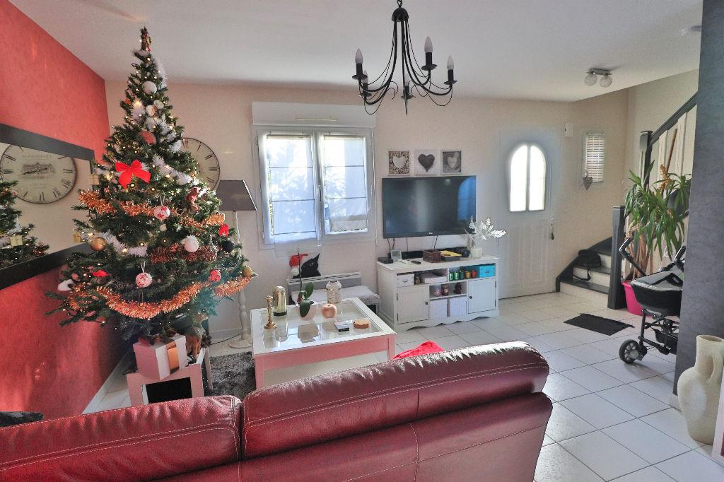 photos n°1 Maison récente et indépendante Saint Lambert La Potherie, 4 chambres, jardin, garage!