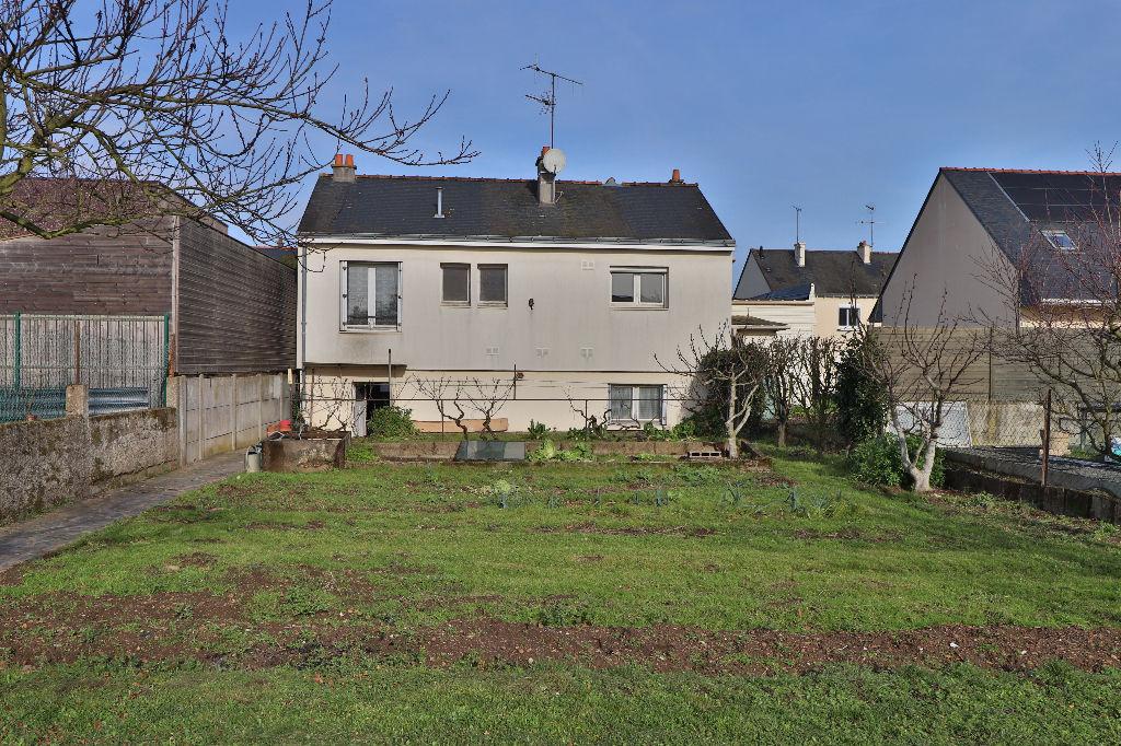 A VENDRE Maison Avrillé 5 pièces, garage et jardin clos!