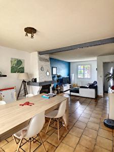 Maison Longuenee En Anjou , 89 m2 plus veranda de 15m2. Garage, Sous-sol.