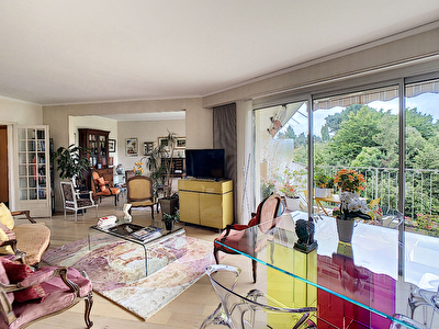 APPARTEMENT TYPE 6 - AVRILLE VAL D OR -