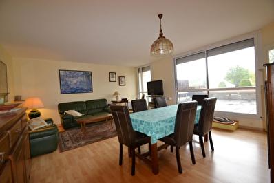 Appartement 3 chambres avec 2 terrasses a Saint Barthelemy D Anjou 5 pieces