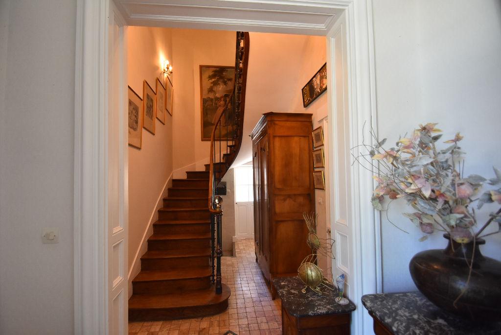 Propriété à 45mn d'Angers et 18mn de Saumur proche accès autoroutier (Angers, Paris,Tours)