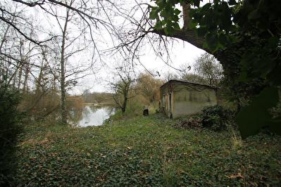 Terrain de plus de 8000 m2 proche de Seiches sur le Loir