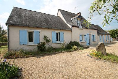 Maison ancienne avec 3 chambres sur terrain de 1813 m2