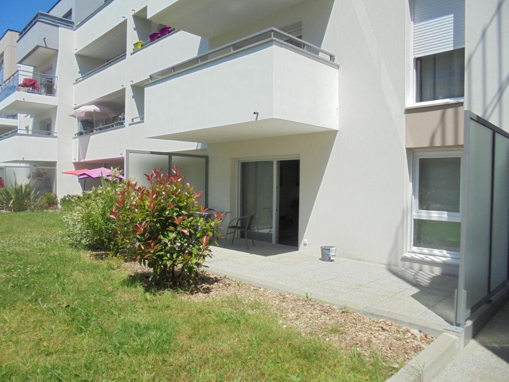 photos n°1 Appartement 2 pièce(s) - ascenseur, terrasse, stationnement